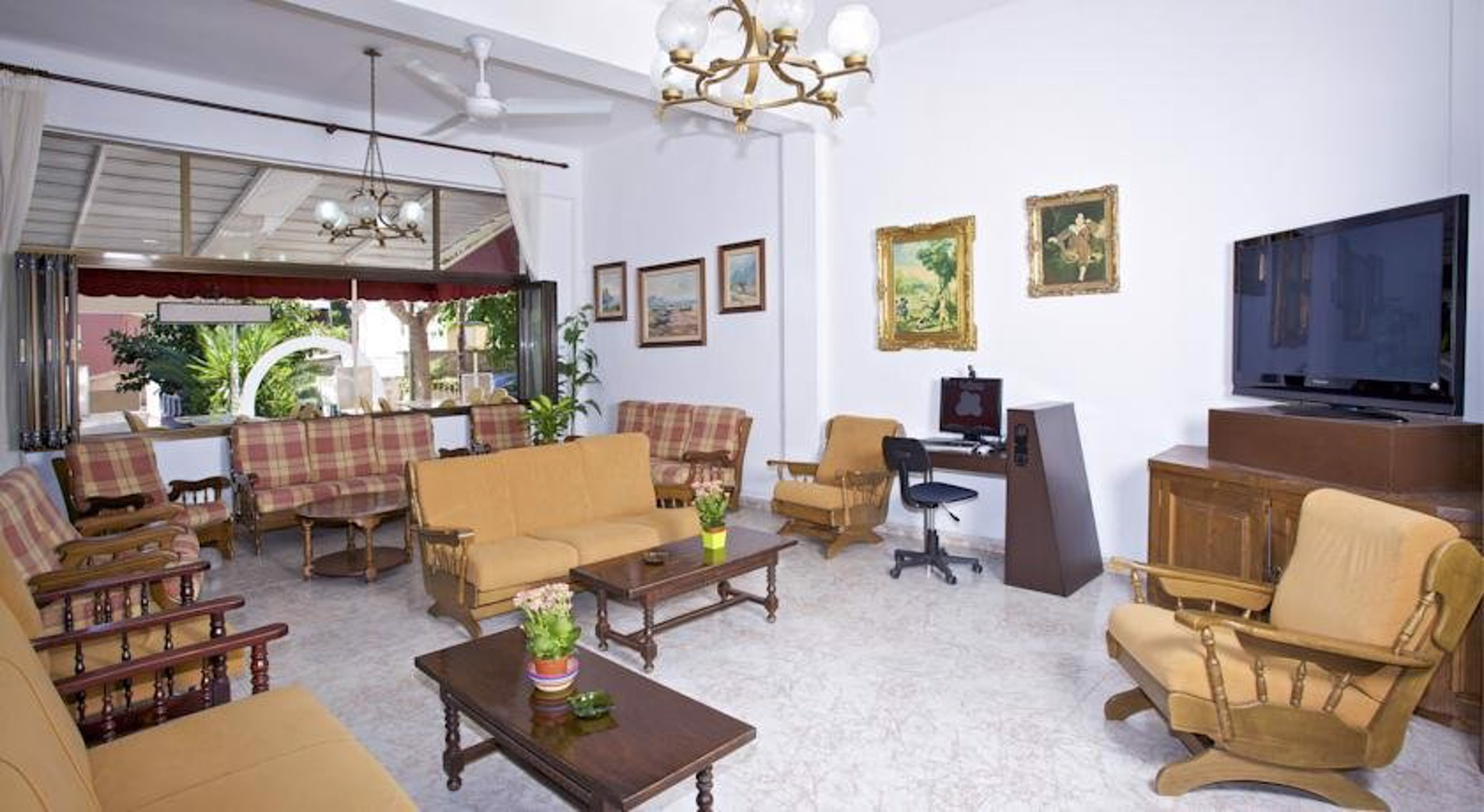Gallery image of Hostal Villa Cati