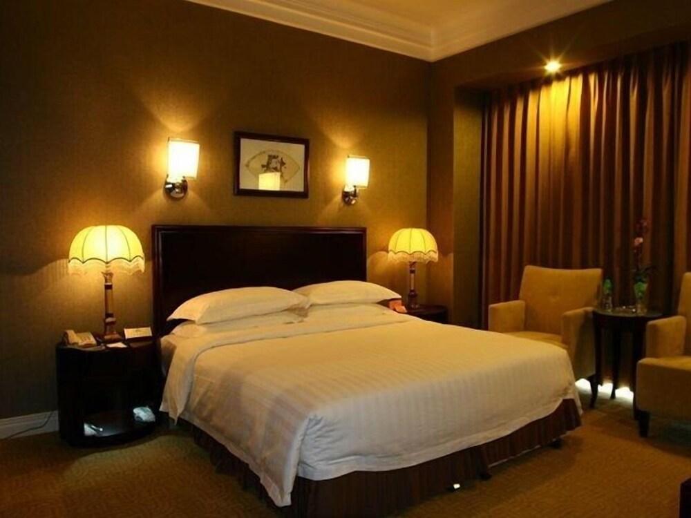 Gallery image of Qian'an Jin Jiang Hotel