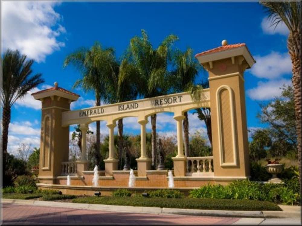 Emerald Island Resort 8524 Palm Harbour Drive