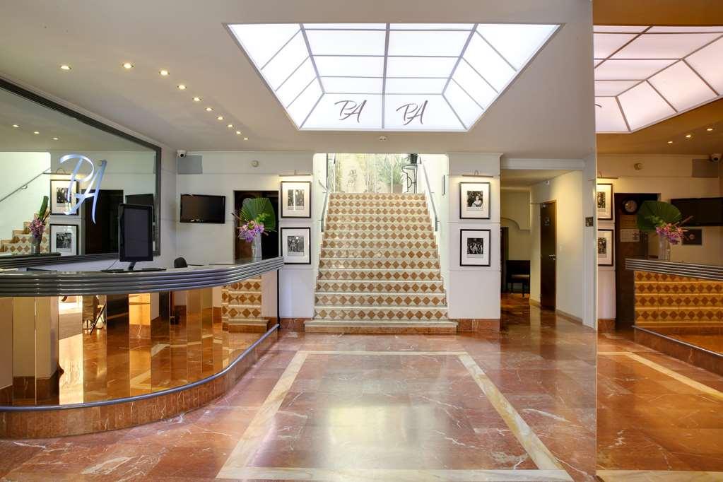 Gallery image of Best Western Plus Le Patio des Artistes
