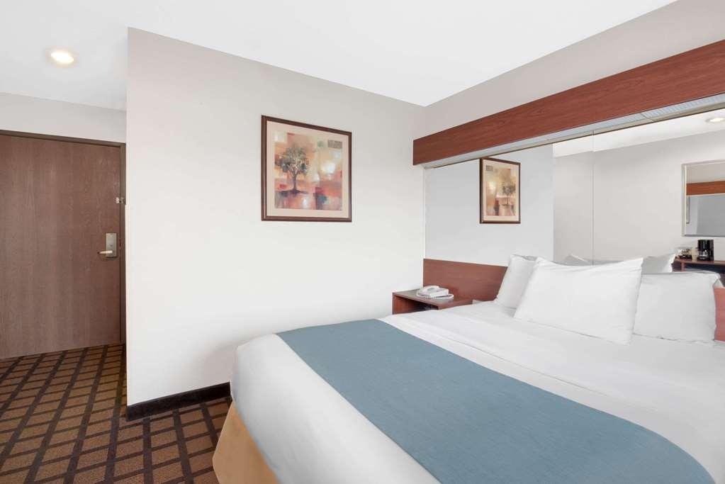 Gallery image of Microtel Inn & Suites by Wyndham Rapid City