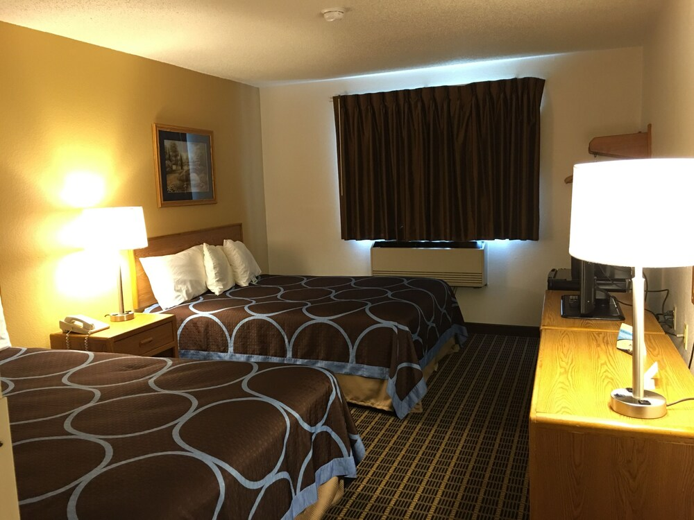 Gallery image of Quincy Inn and Suites