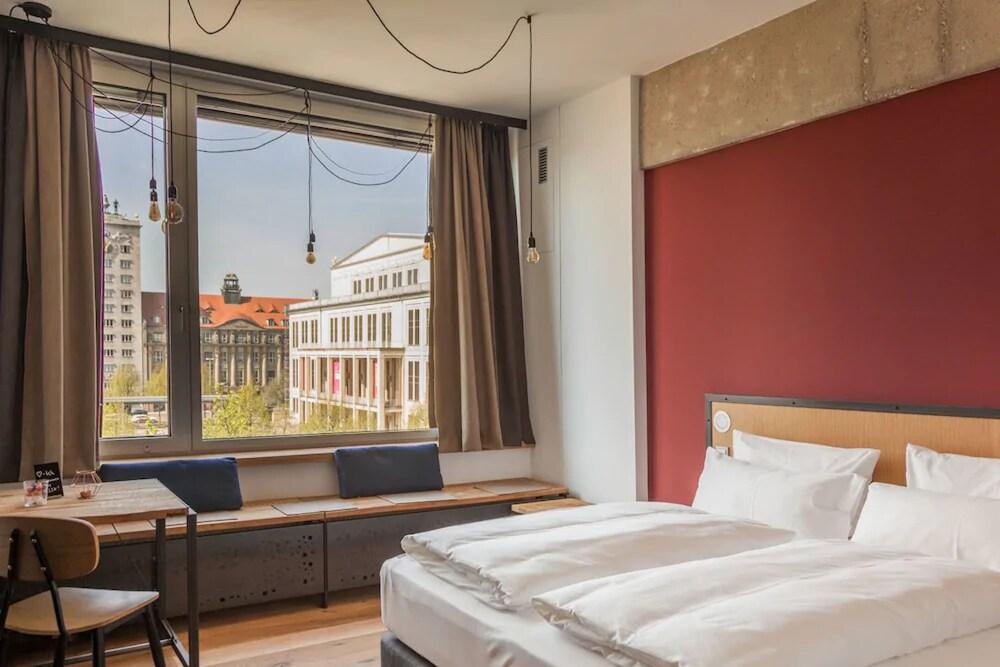 FELIX Suiten im Lebendigen Haus am Augustusplatz