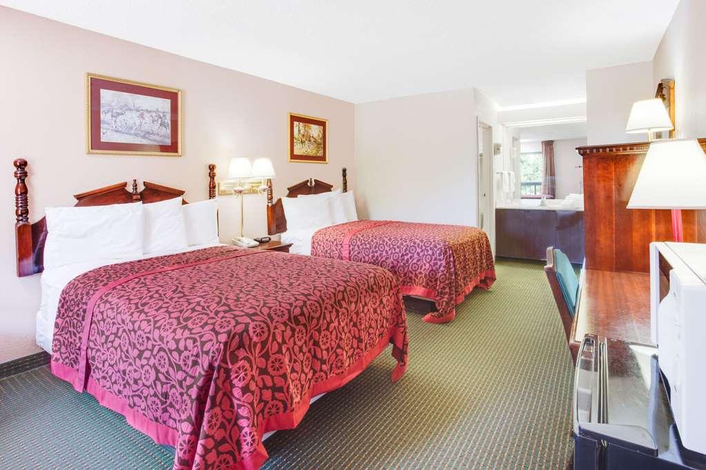 Gallery image of Days Inn by Wyndham Greenville MS