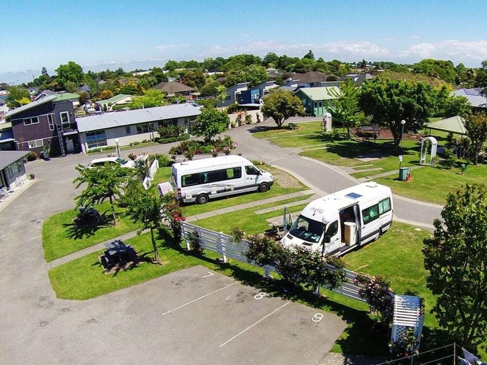 Amber Kiwi Holiday Park & Motel