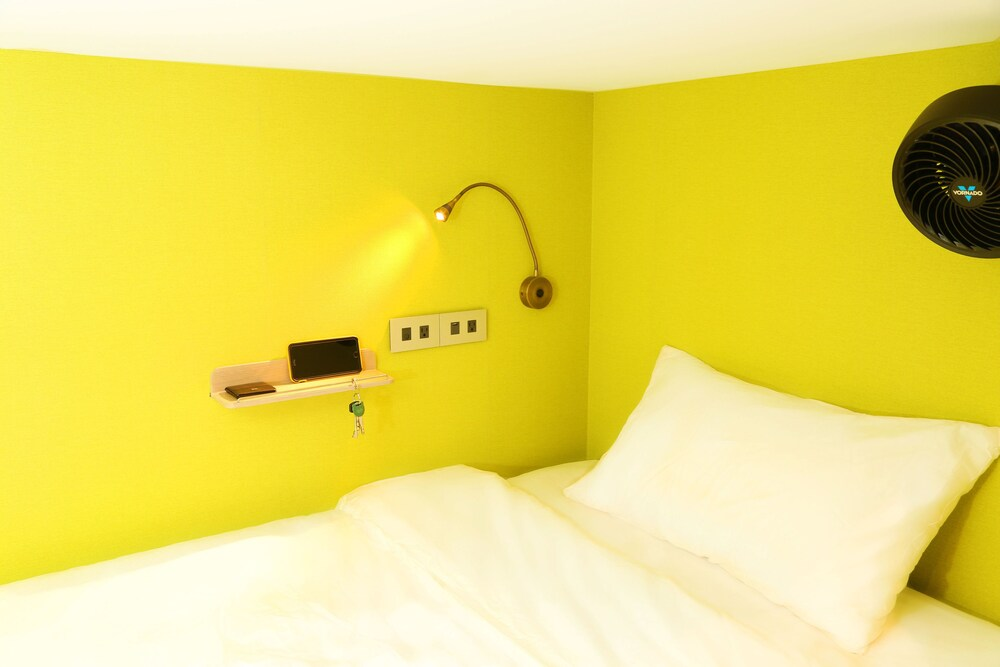 Mono Hostel