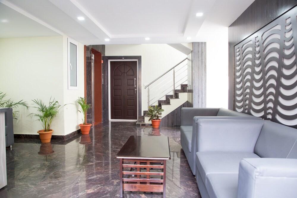 OYO 9438 1 BHK Serviced Apartment