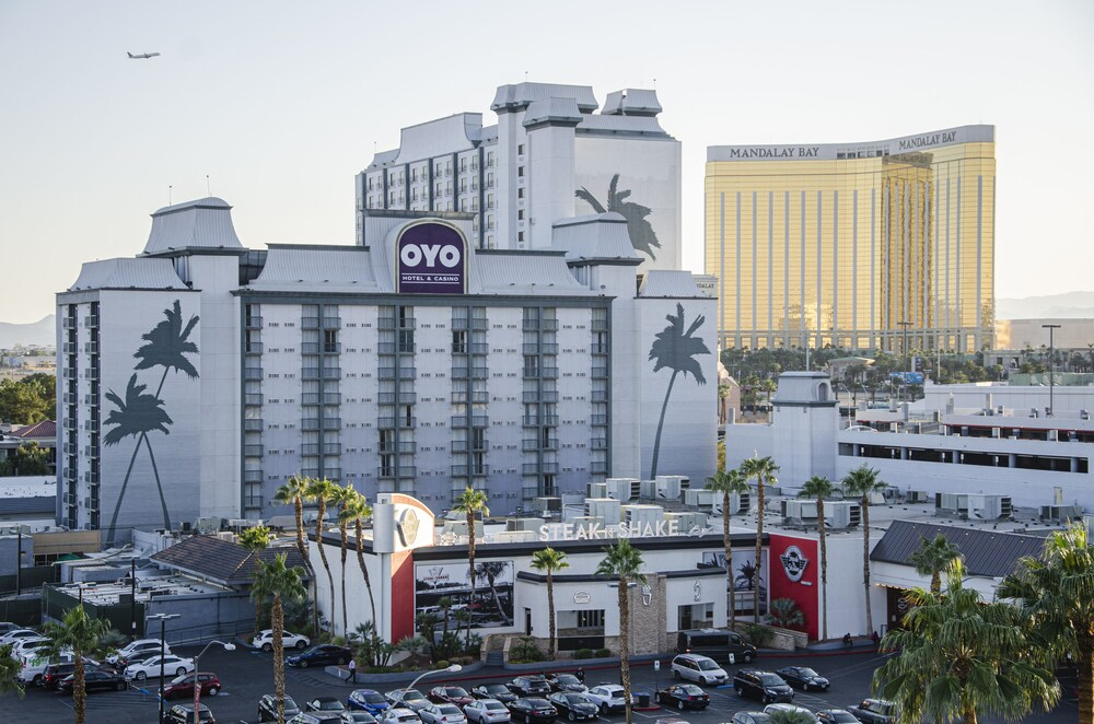 Gallery image of OYO Hotel and Casino Las Vegas