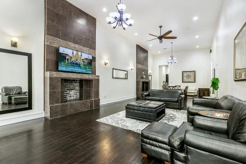 Luxury 3BR condo in Downtown