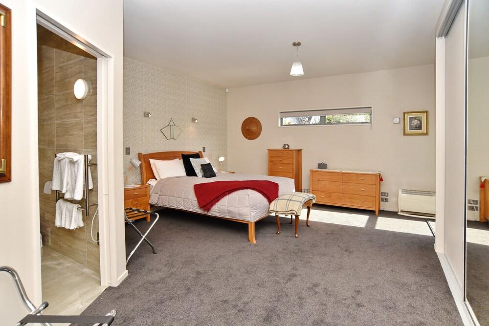 The Apartment Within Fendalton