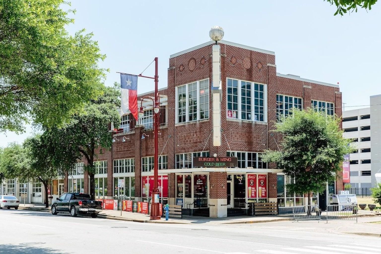 Lyric at 1475 Texas Ave.