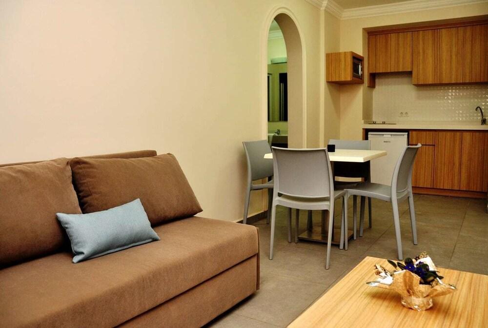 Gallery image of Kleopatra Tuna Apart Hotel