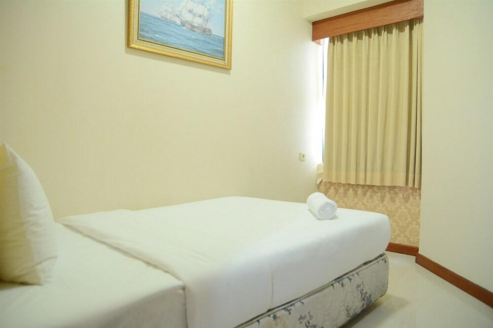 Cozy And Affordable 2BR Sudirman Tower Condominium near Plaza Semanggi