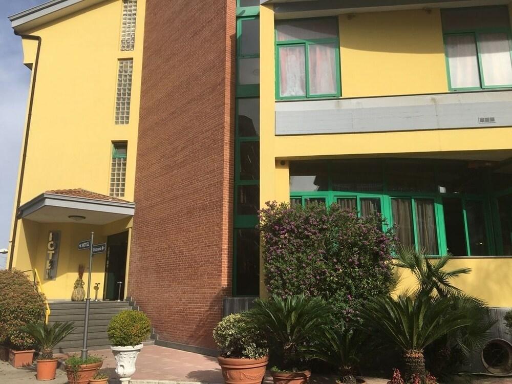 Hotel Stefano A Melito