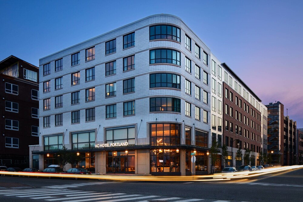 AC Hotel By Marriott Portland Downtown Waterfront Me