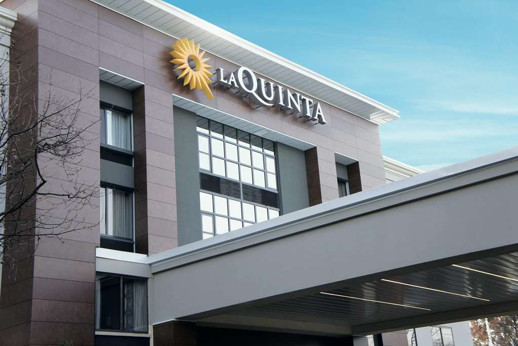Gallery image of La Quinta Inn & Suites by Wyndham Raleigh Downtown North