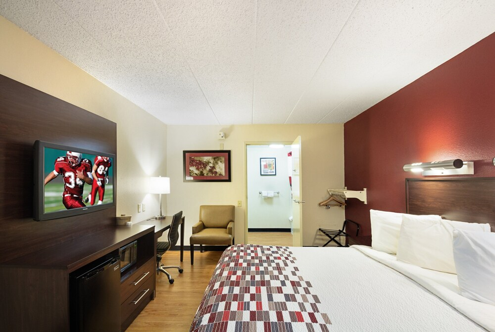 Gallery image of Red Roof Inn Madison WI