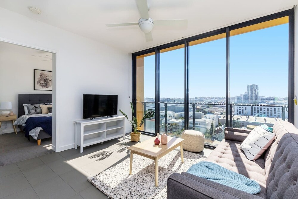 Fortitude Valley 2bed Parking Pool Showground Qfv010