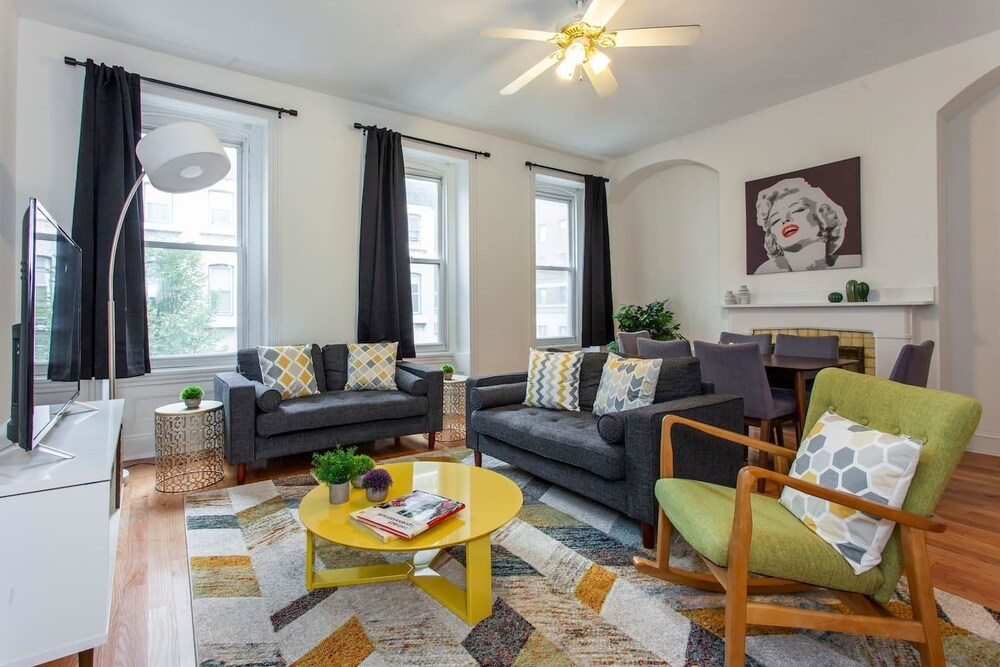 Rittenhouse Retreat 3 Bedroom Apt in City Center