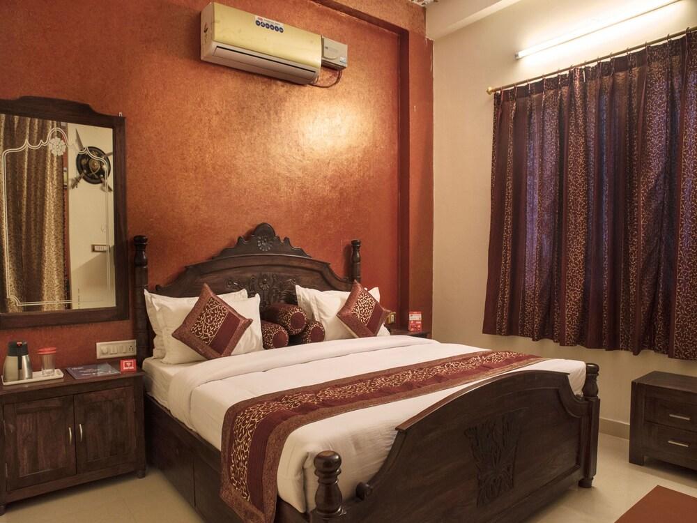 Gallery image of OYO 2393 Vanraj Palace