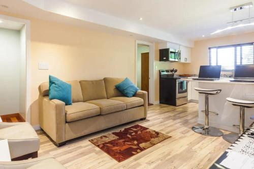 Apt 3 2 bedrooms Superbly equipped Sleeps 6