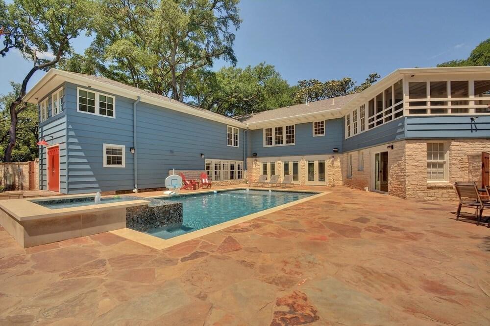 6BR 8BA Historic LBJ Estate near Lake Austin by RedAwning