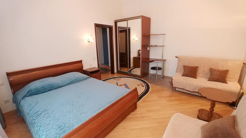 Kiev Apartments One room 3 Kostelna. On Maidane Nezalezhnosti 1010