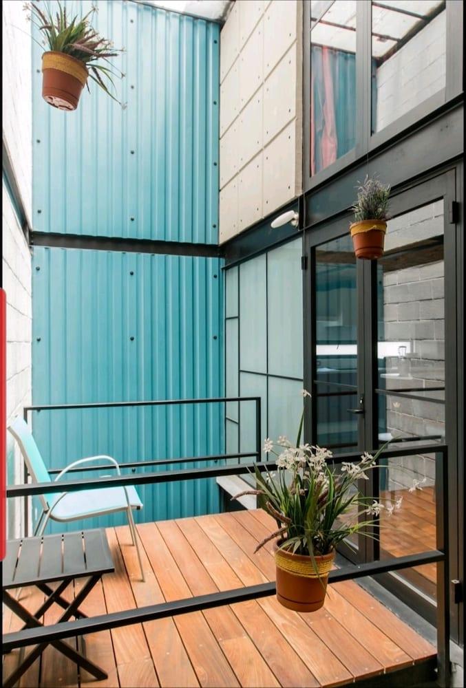 Cozy Loft with Balcony