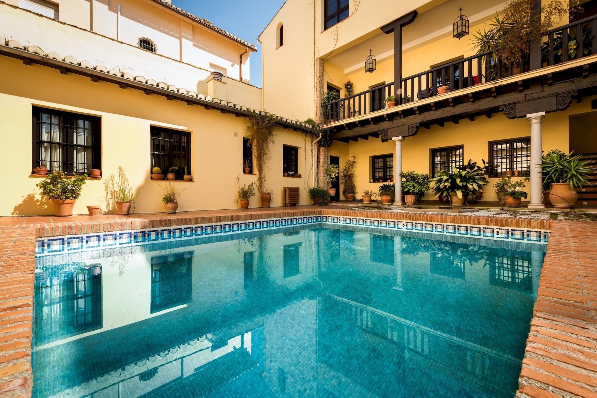 Beautiful Aptm 2Bb & Communal Pool in Albaicín. Mirador de los Arcos