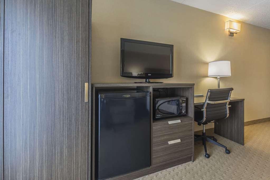 Gallery image of Comfort Inn Levis