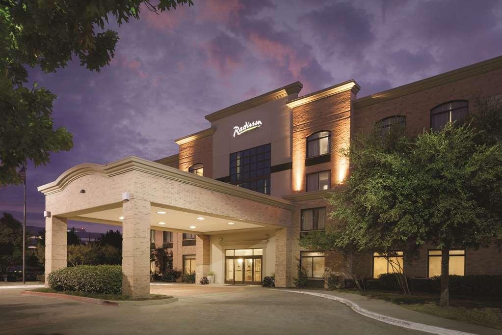 Radisson Hotel Dallas North Addison