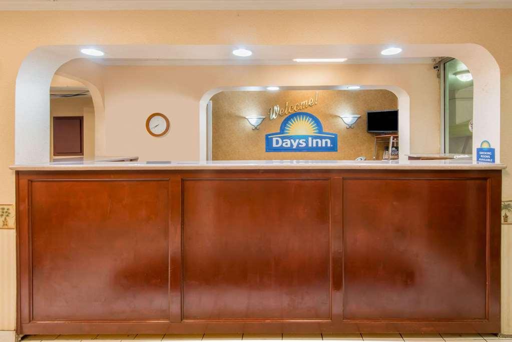 Gallery image of Days Inn by Wyndham Shorter