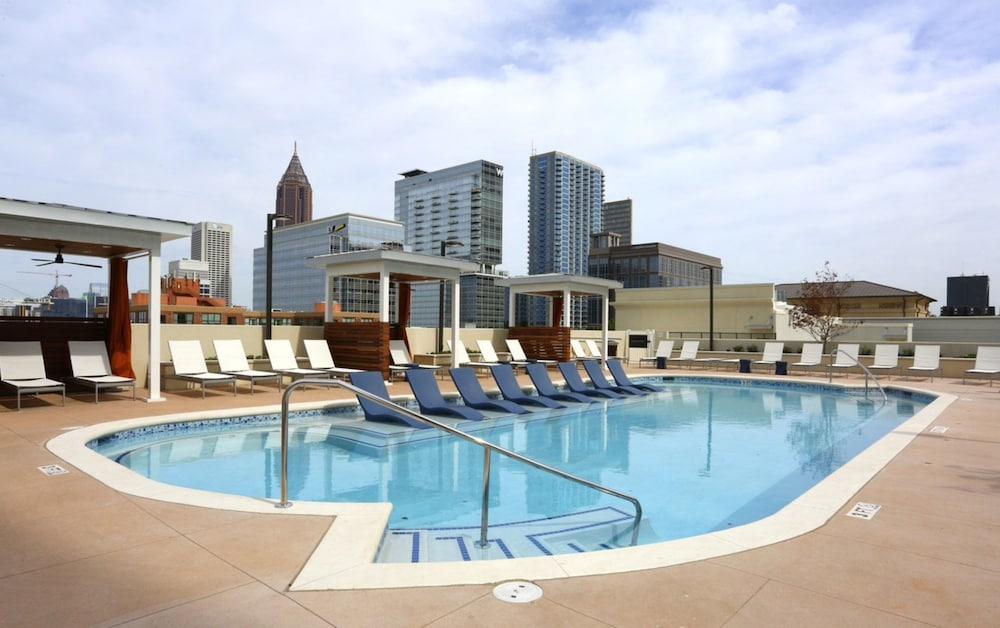 Global Luxury Suites in Downtown Atlanta
