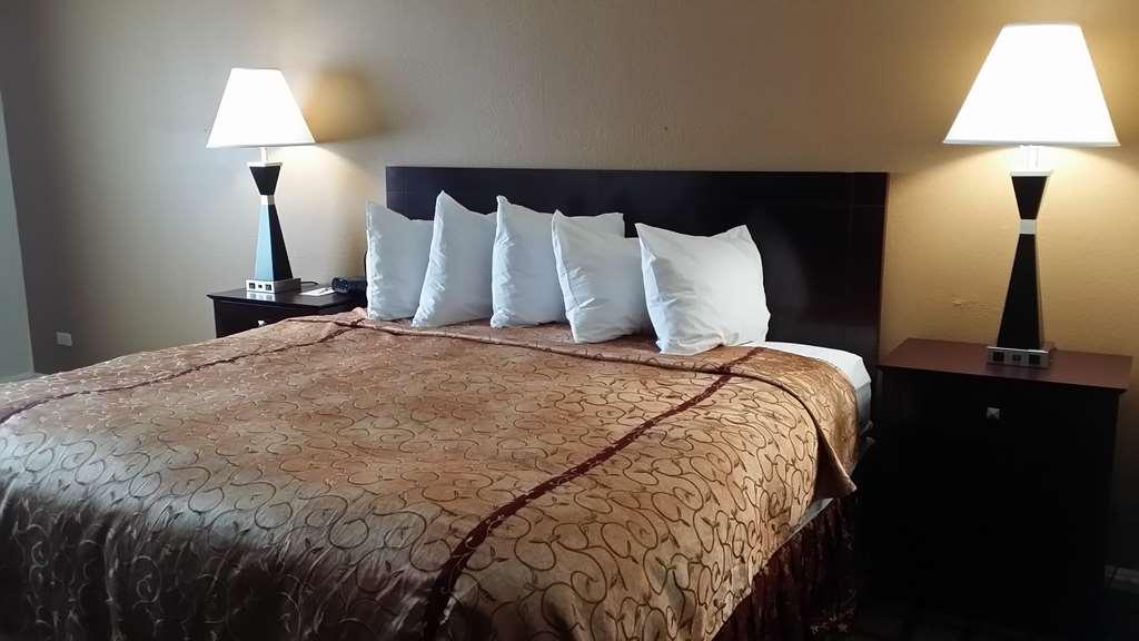 Gallery image of Best Western Plus Oakbrook Inn