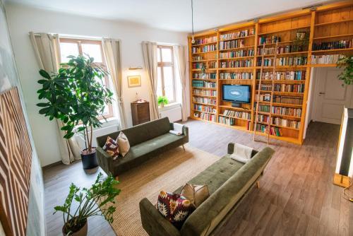 Theleaf Design Apartment & Café