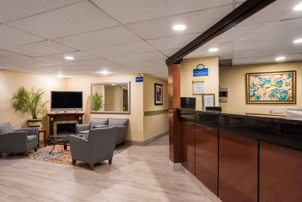 Gallery image of Days Inn by Wyndham Greenfield