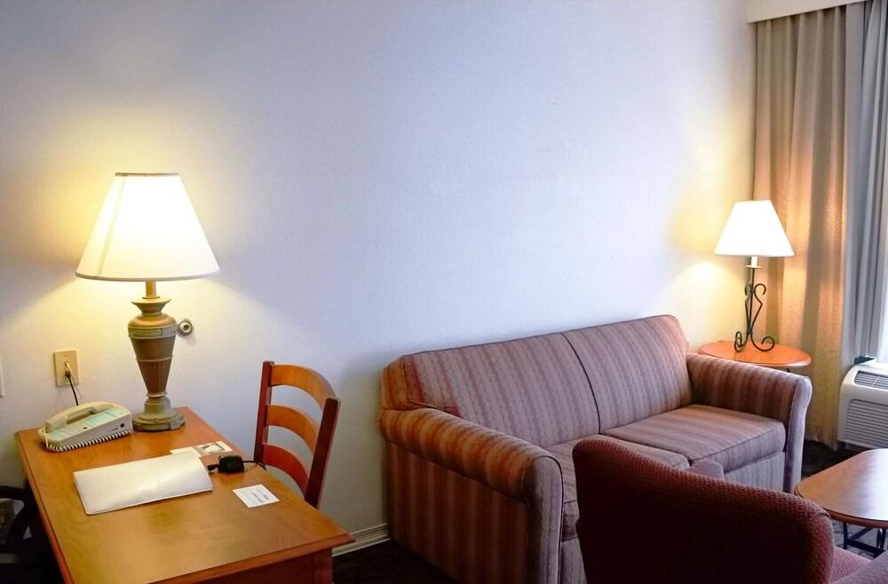 Gallery image of Hampton Inn & Suites Birmingham Pelham