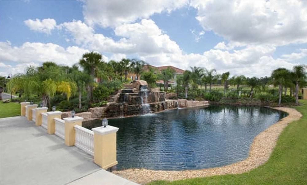 Paradise Palms 8981