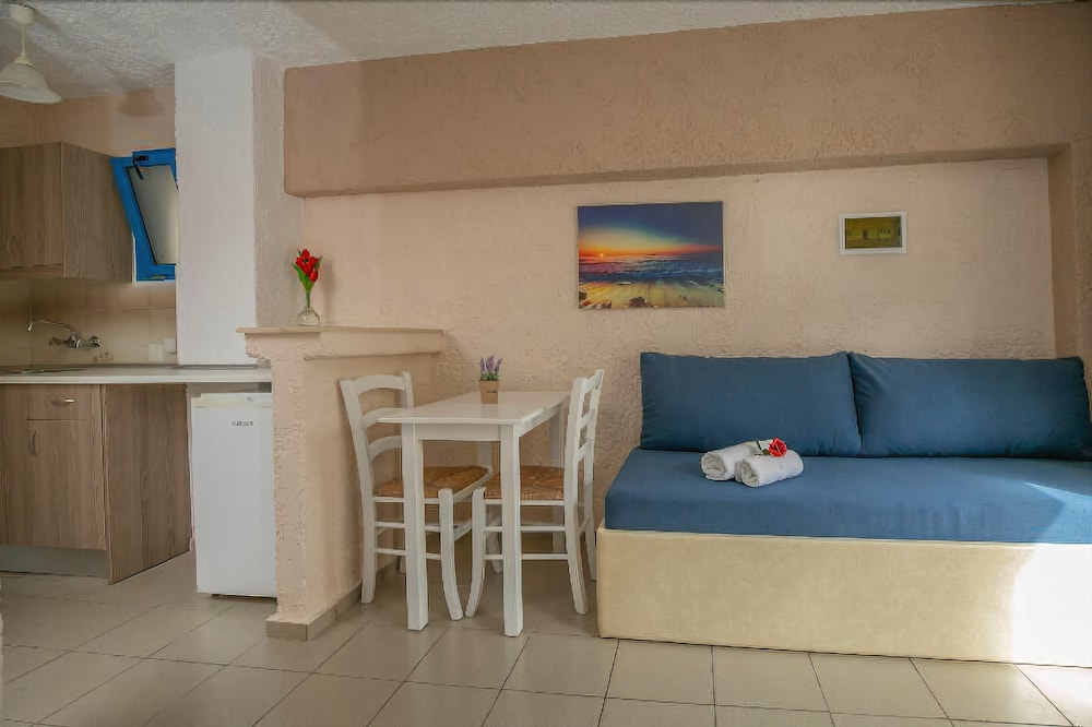 Gallery image of Mareva Apartments