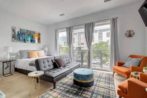 CHI2550 Charming Studio In the Heart of the RiNo District