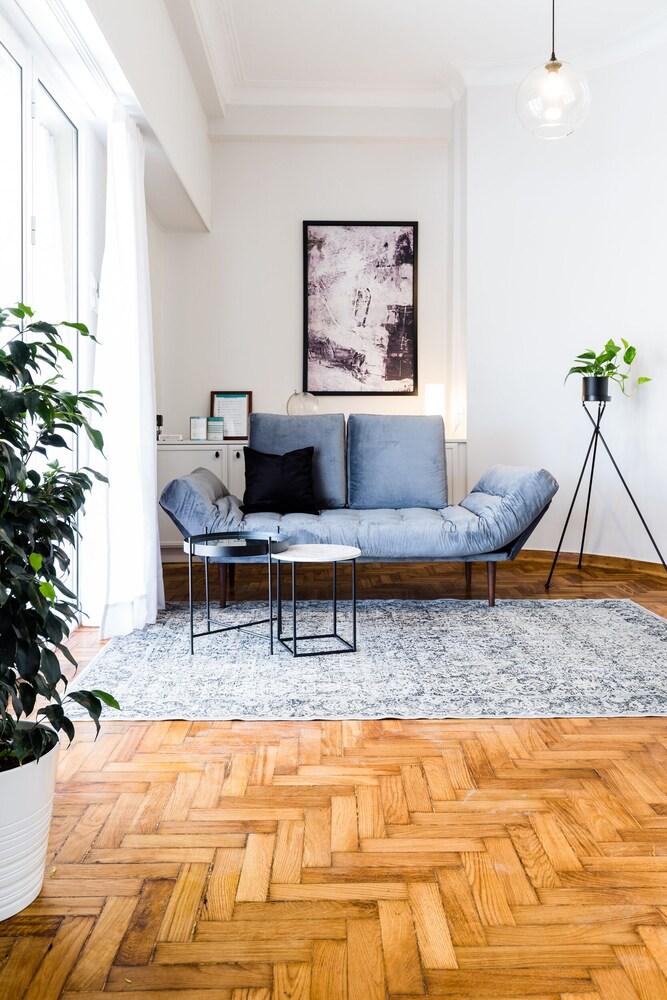 Classy Luminous 1BD Apartment in Kolonaki by UPSTREET