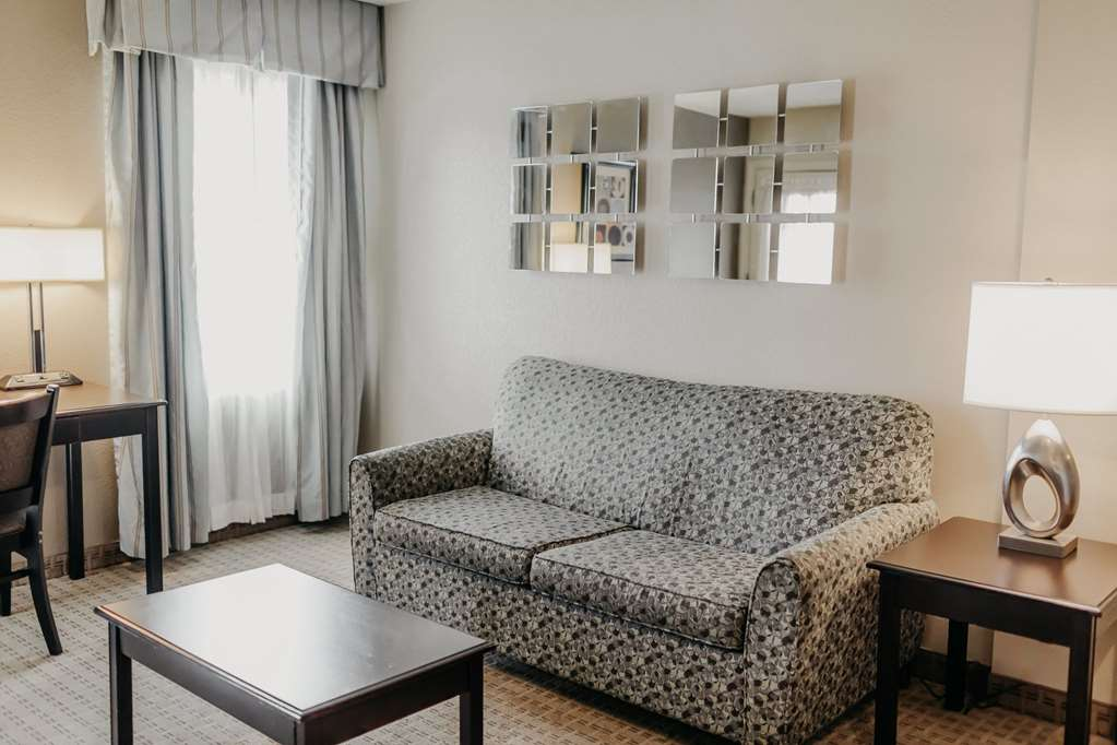 Gallery image of Eastland Suites Hotel & Conference Center