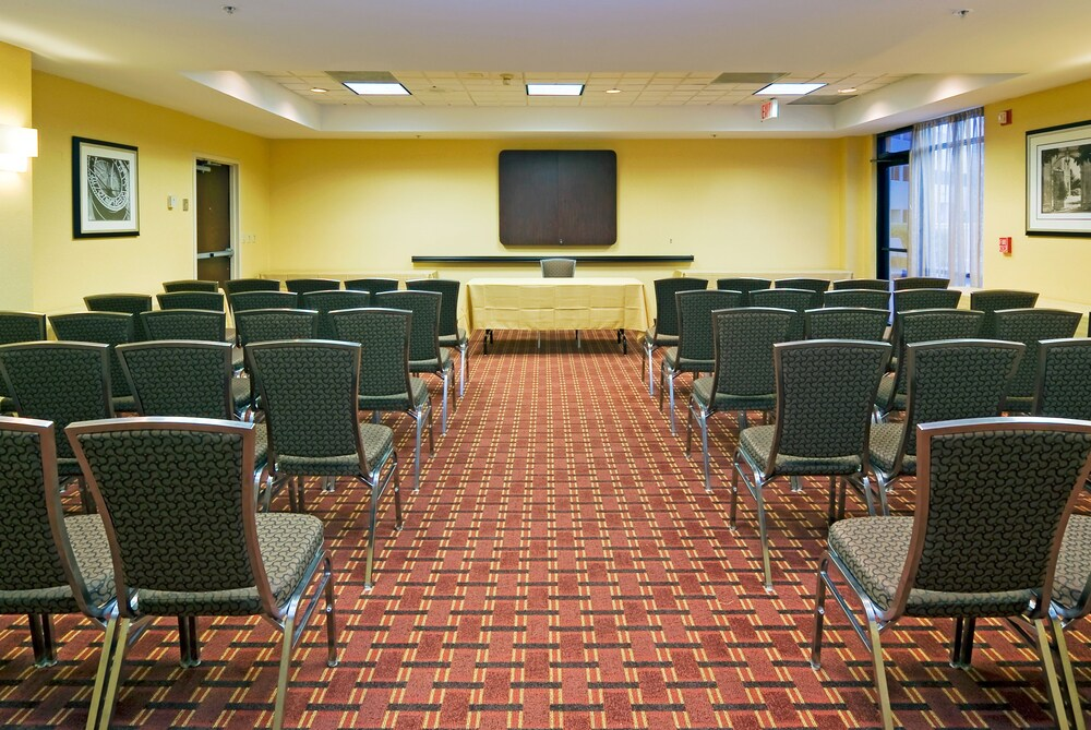 Gallery image of Holiday Inn Express & Suites Kendall East Miami