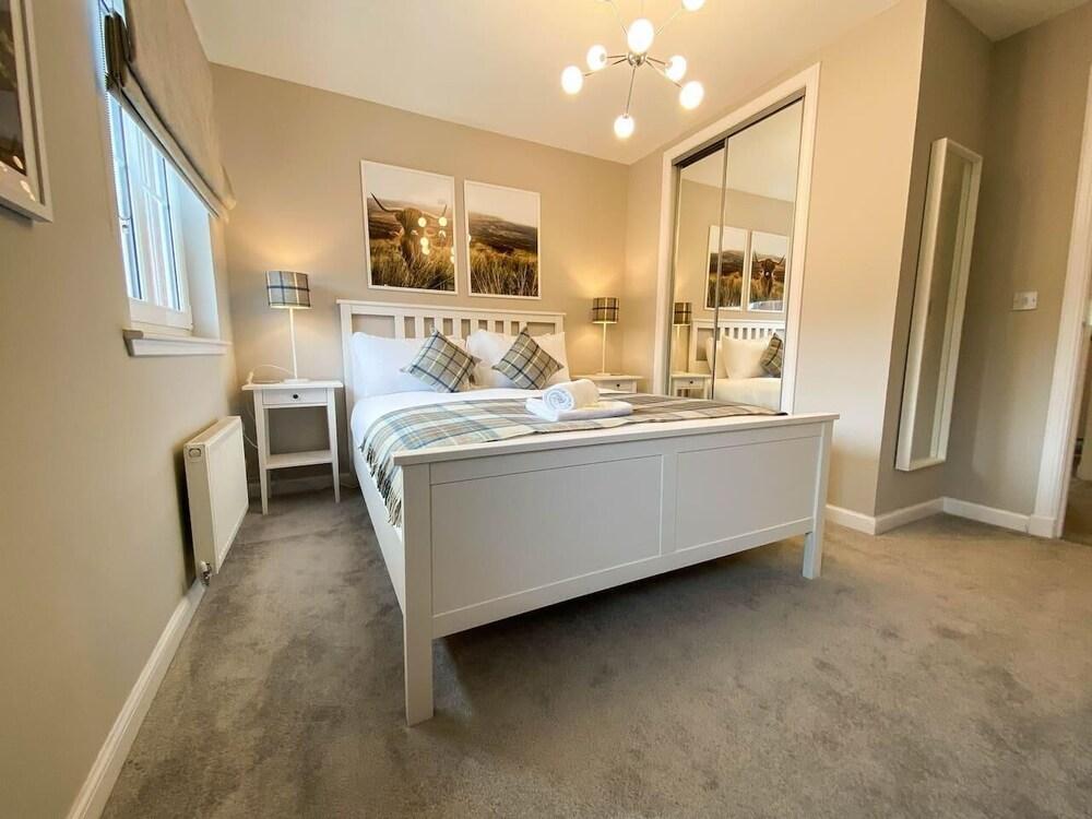 Modern Luxury 2bed Scottish Home