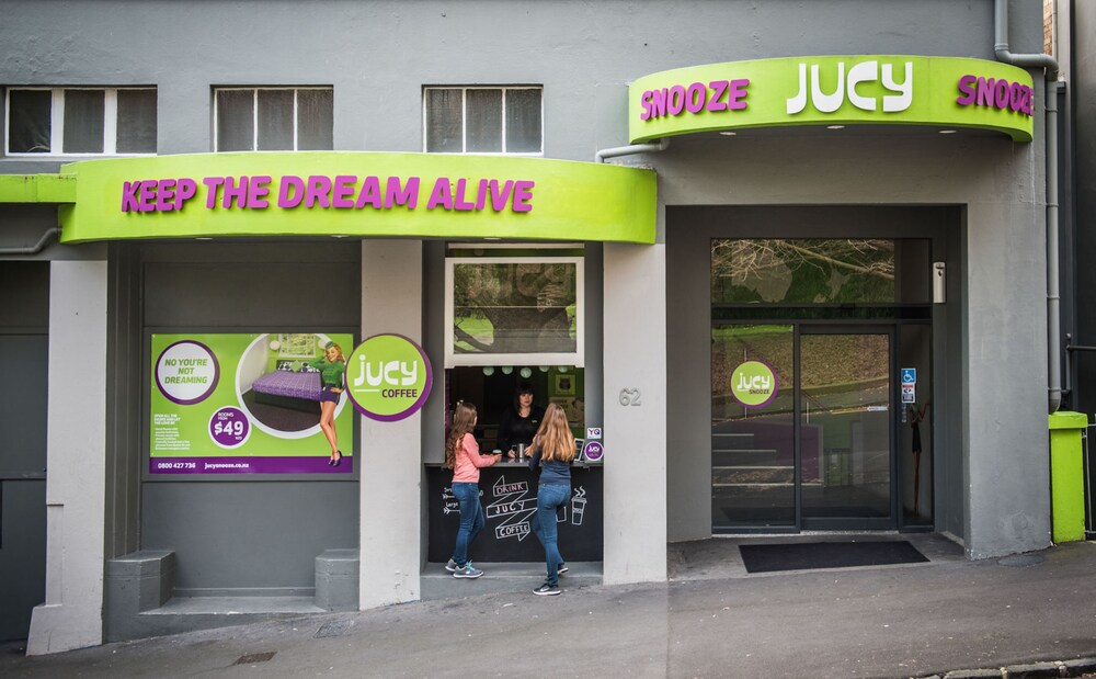 Gallery image of Jucy Snooze