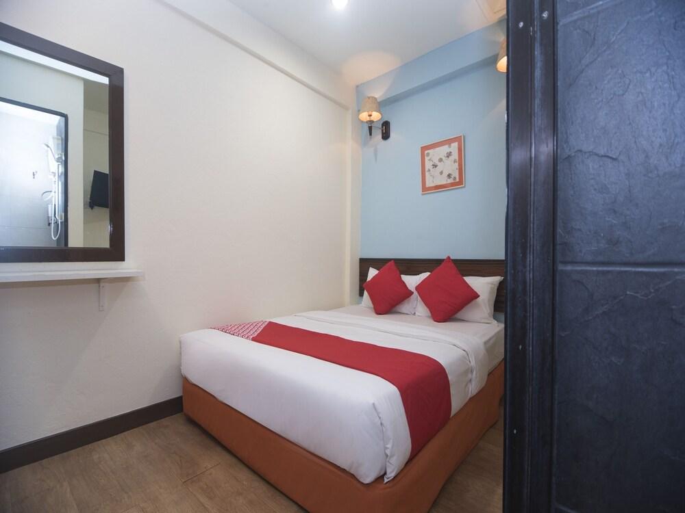 OYO 1149 Feringghi Hotel