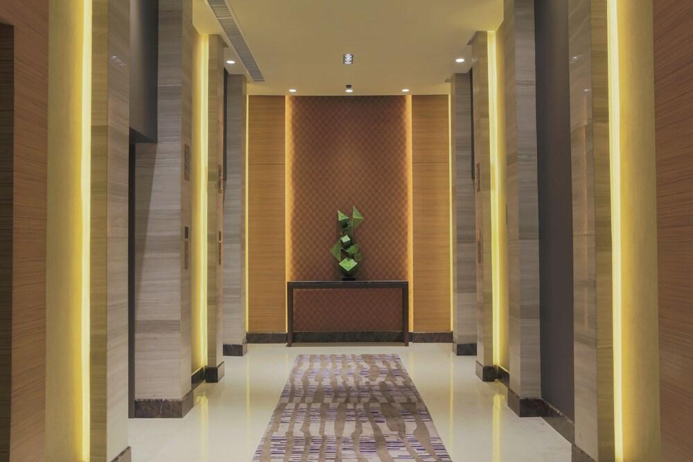 Gallery image of Holiday Inn & Suites Makati