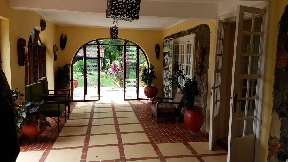 Gallery image of Afrikiko Riverfront Resort