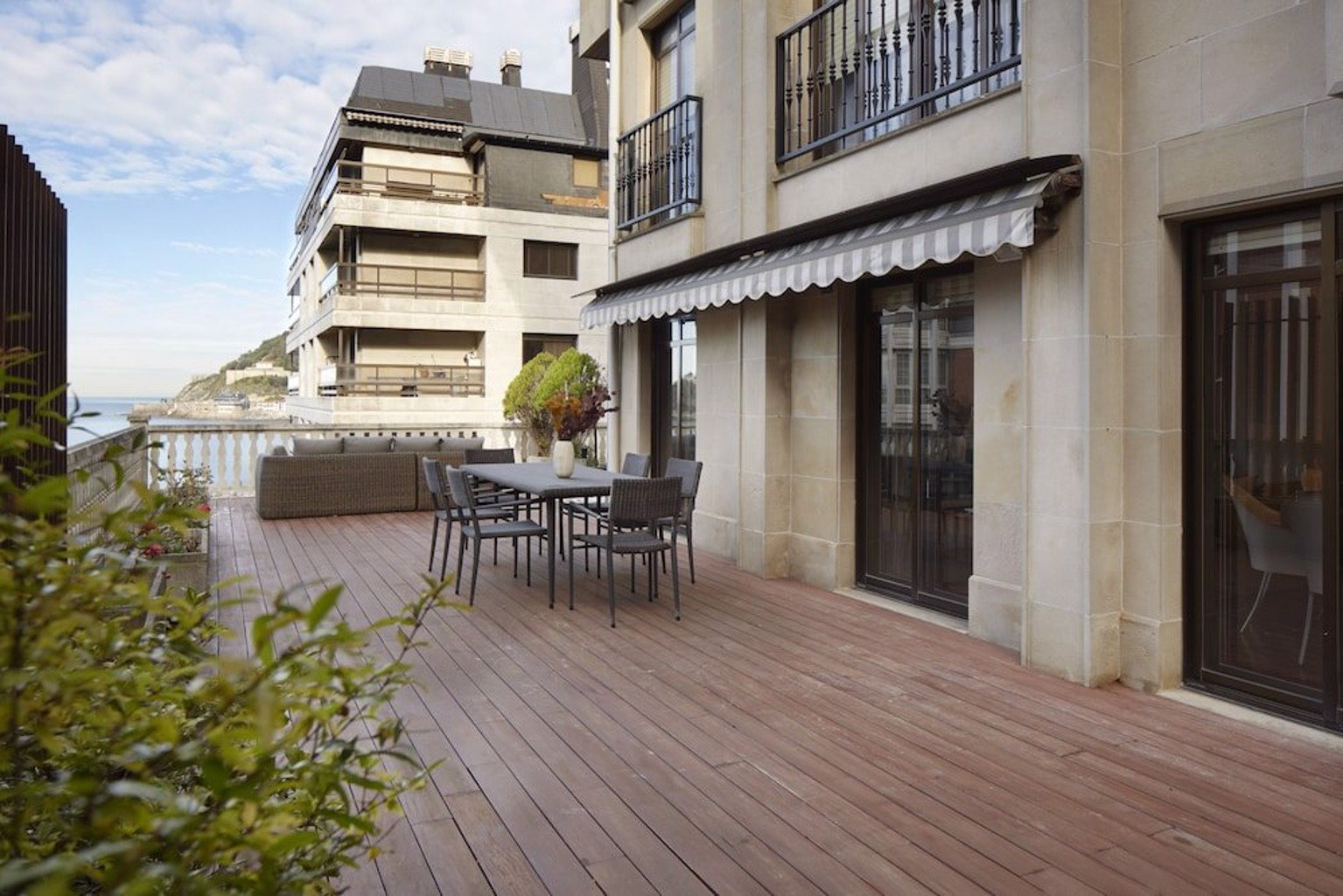 Miraconcha Terrace Apartment By Feelfree Rentals