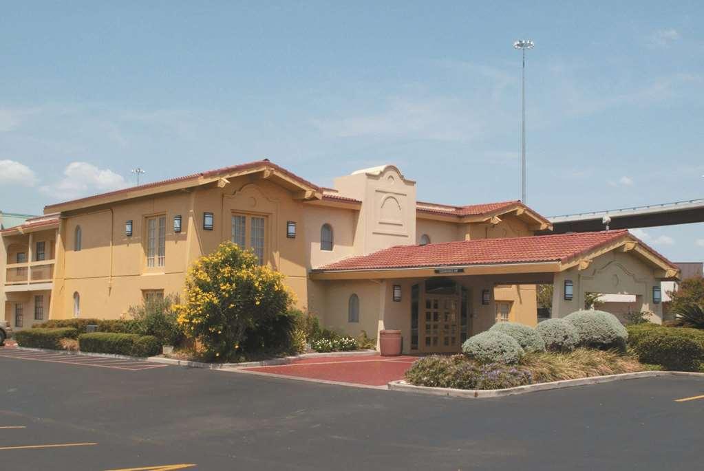 La Quinta Inn by Wyndham Austin University Area